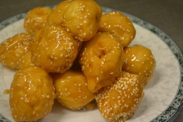 Caramel fried assorted fruit