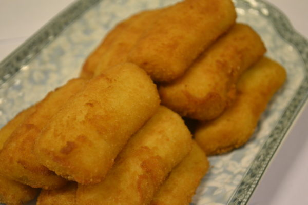 Fried bananas with condensed milk