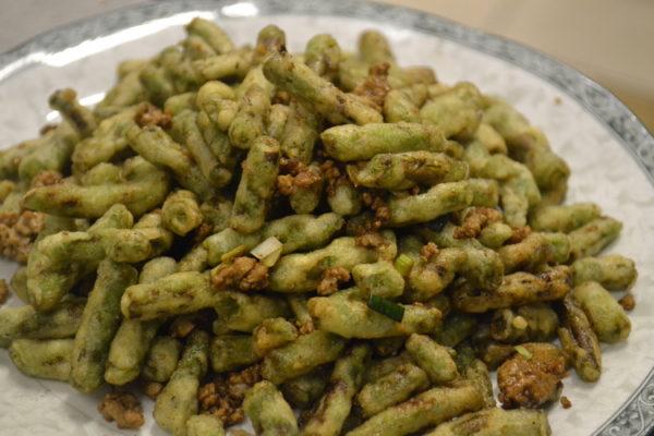 Crunchy asparagus with pork