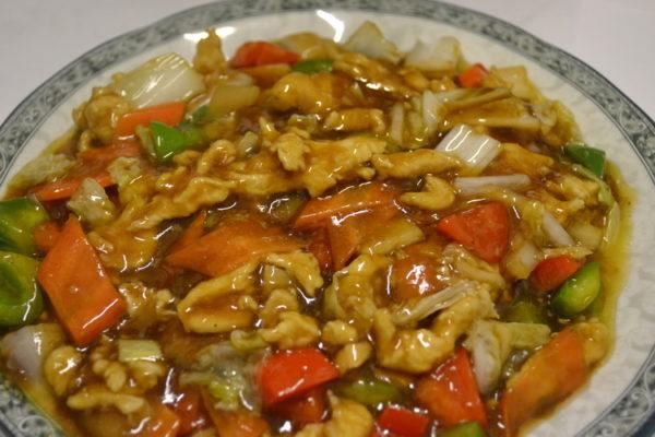 Курица в соусе из моллюсок