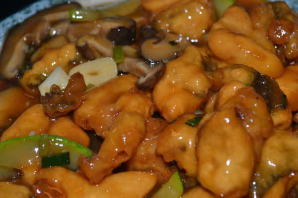 Roasted carp with garlic in soy sauce