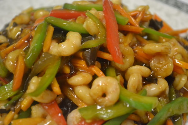 Spicy sour-sweet shrimps with vegetables